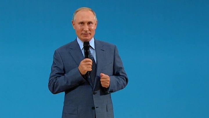 """""""Сириус"""": Путин пошутил и осмотрел лаборатории"""