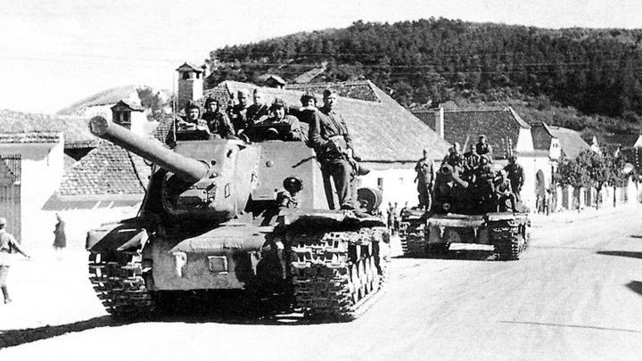 1944 год, сентябрь. 3 Украинский фронт, на одной из дорог Трансильвании  (Румыния)