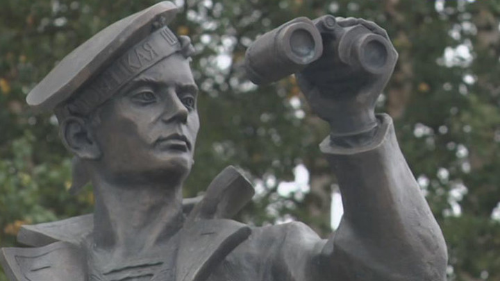 На Соловках открыли памятник юнгам