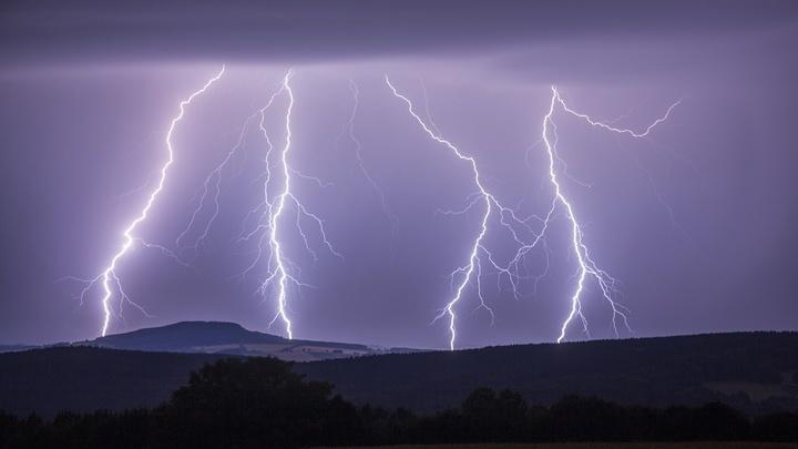 Обычно волны свиста порождаются молниями, но в этот раз их обнаружили в термоядерном реакторе.