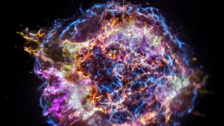 Кассиопея А - один из ближайших к Земле остатков сверхновой.