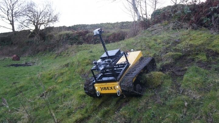 Робот может самостоятельно выбирать оптимальные маршруты и предоставлять видеонаблюдение для фермера
