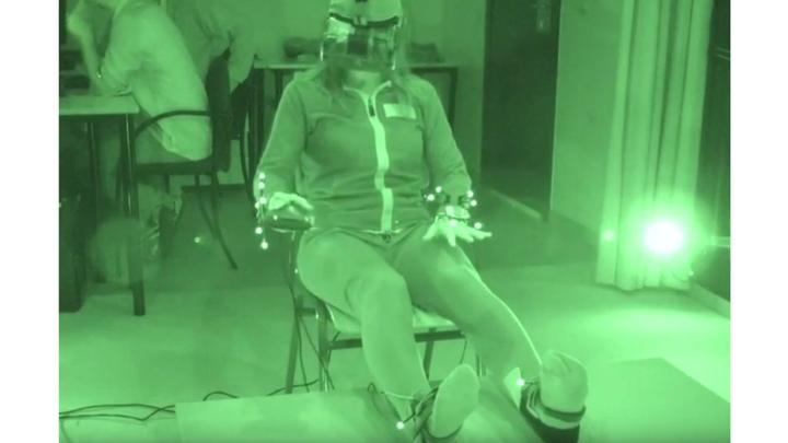 Исследователи решили спровоцировать околосмертные переживания при помощи VR-технологии, чтобы понять, может ли такая иллюзия ослабить страх смерти.