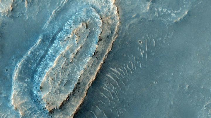 Последний претендент √ Большой Сирт √ находится относительно недалеко от кратера Эзеро.