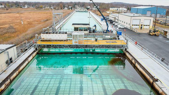 Экспериментальный бассейн, в котором проводились испытания чудо-губки.