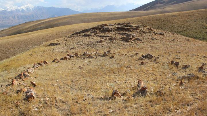 Всего за три дня археологи обнаружили полтора десятка памятников.