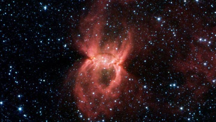 Млечный Путь богат углеродистой пылью, но обнаружить её в далёкой и древней галактике было неожиданностью.