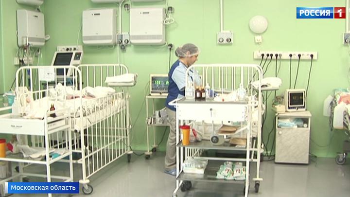 В Орехово-Зуеве женщина с ребенком сорвались, спускаясь с пятого этажа на простынях