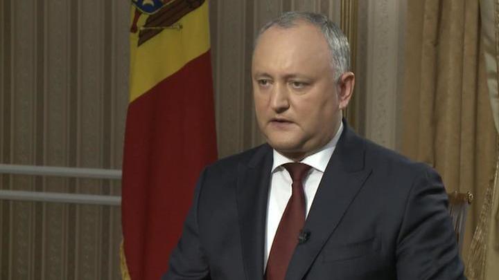 Додон обвинил КС Молдавии в