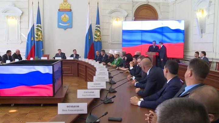 В Астрахани официально представили врио губернатора области Сергея Морозова