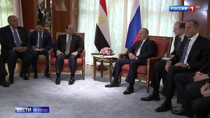 Путин покатал ас-Сиси на
