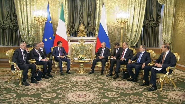 Путин поблагодарил премьера Италии за помощь пострадавшим болельщикам ЦСКА