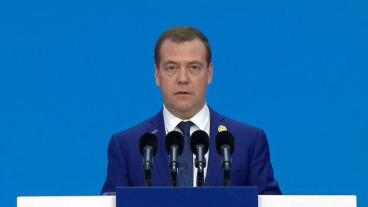 Дмитрий Медведев: санкции и протекционизм стали реальностью современной мировой экономики