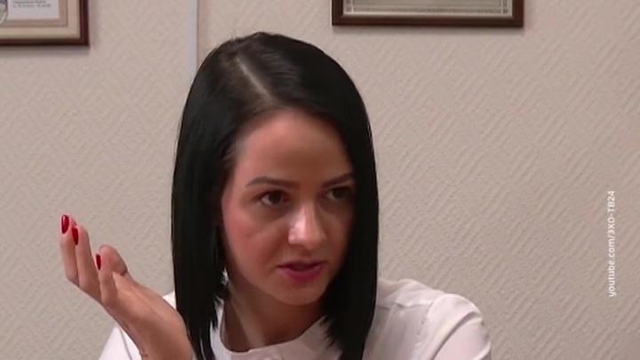 """Оскандалившаяся чиновница пожаловалась на """"трикопеешную"""" зарплату"""