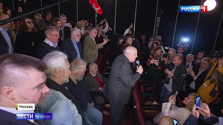 «Знакомьтесь, Горбачев»: Запад до сих пор пытается понять себя и СССР