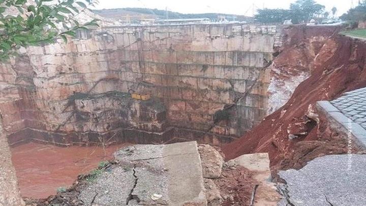 При обрушении дороги в Португалии погибли люди