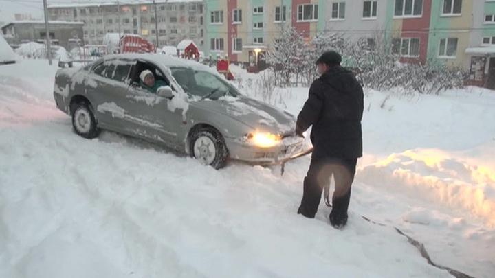 Колыма тонет в снегу