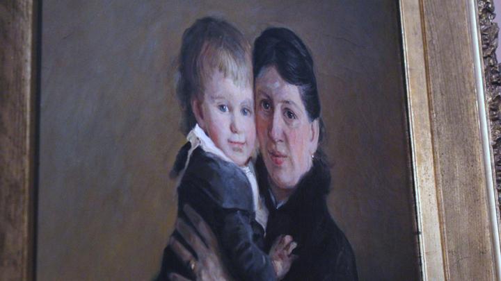 Портрет Софьи Андреевны Толстой с сыном Ванечкой. Худ. Николай Ге. Фото Леонида Варебруа