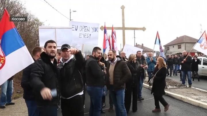 delaet-domashnie-foto-serbskih-devushek