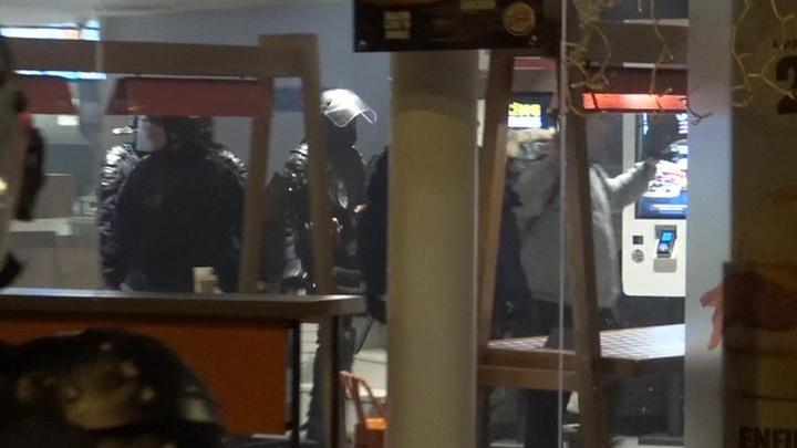 Глава французской полиции призвал протестующих утихомириться