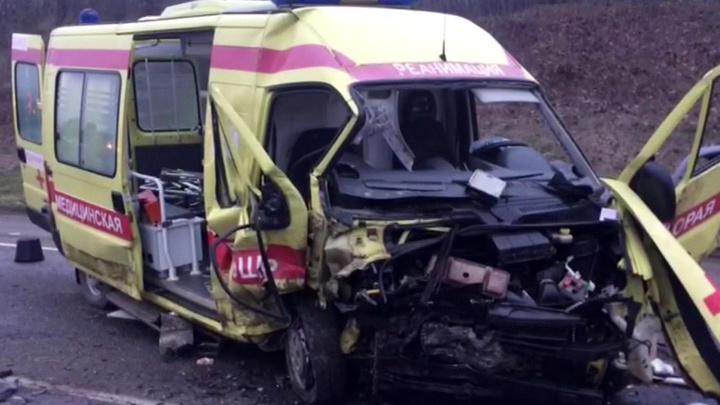 Шесть человек погибли в ДТП с участием скорой в Краснодарском крае