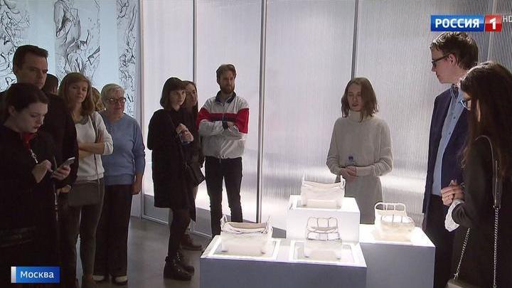 Булгаков, живопись и высокая мода: ВДНХ открывает зимний выставочный сезон