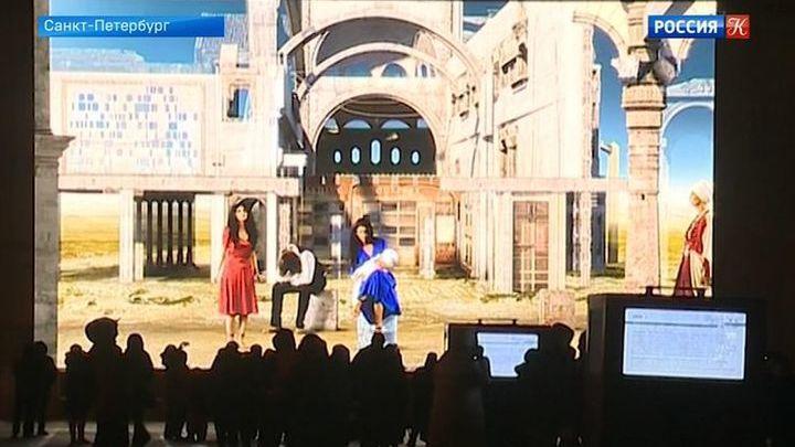 На Дворцовой площади представили видеоинсталляцию  Марты Файнс