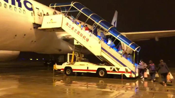 """Изгибы """"Жемчужной реки"""": последний рейс """"ИрАэро"""" с Хайнаня ждут в Москве через час"""