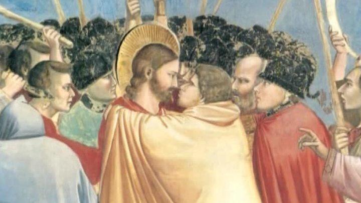 Почему на Пасху надо целоваться три раза