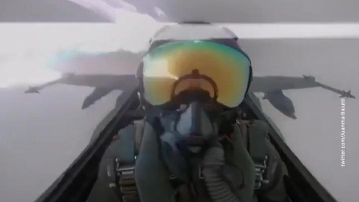Видео дня: молния ударила в истребитель