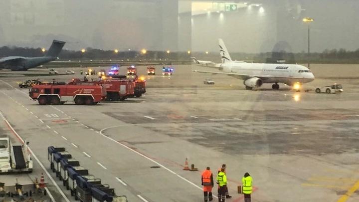 Автомобиль с польскими номерами пытался прорваться на территорию аэропорта Ганновера