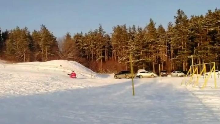 Девушка разбилась во время спуска с горы на тюбинге в Альметьевске