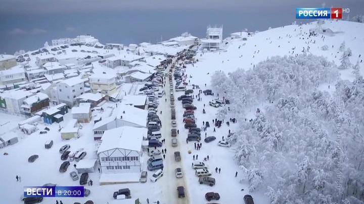 Крым: зимняя сказка обернулась снежным пленом