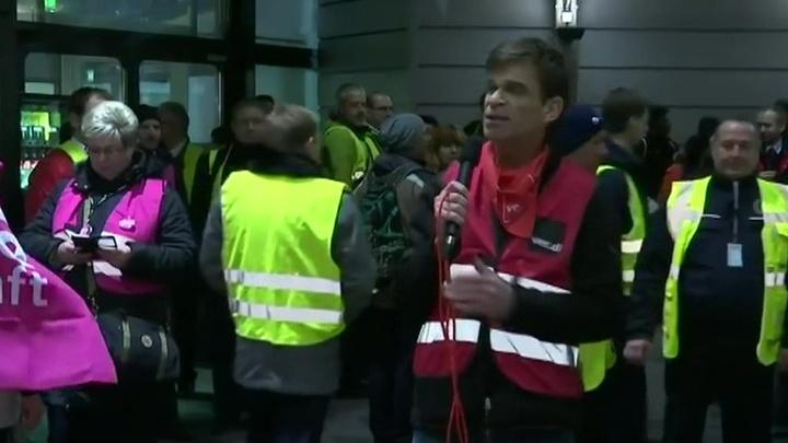 Забастовка служащих парализовала авиасообщение в Дюссельдорфе, Кельне и Штутгарте