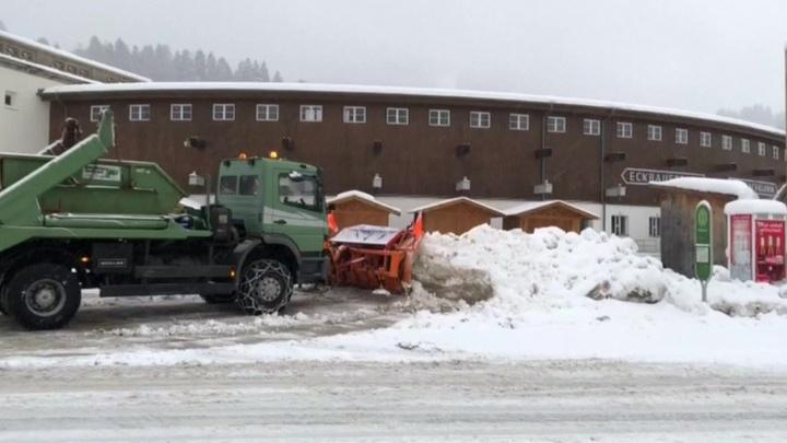 Смертельные снегопады в Европе: погибли уже 17 человек