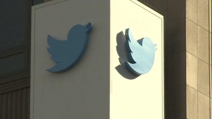 Роскомнадзор начинает дела против Facebook и Twitter