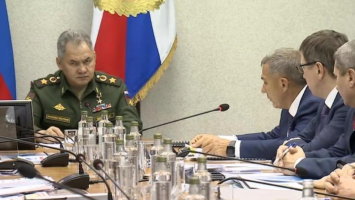 Министр обороны проинспектировал авиационные заводы