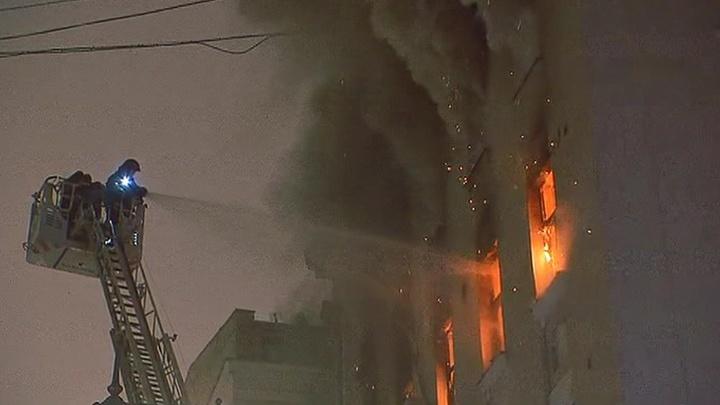 """На Никитском бульваре ночью горел """"звездный"""" дом с квартирами Дапкунайте и Казарновской"""