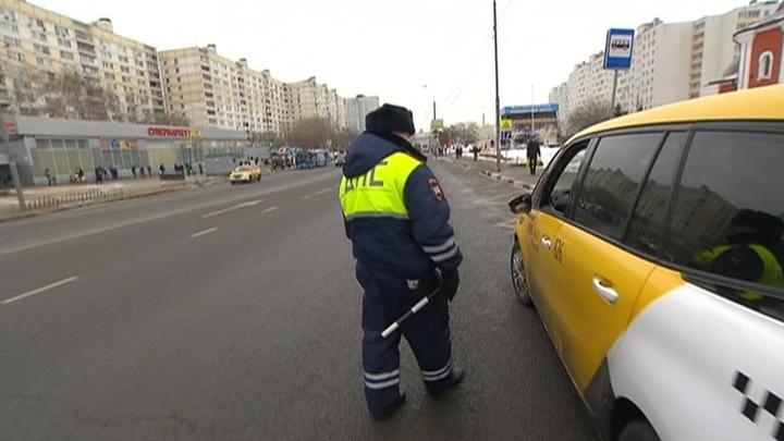 Торговля правами: кто сидит за рулем столичных такси