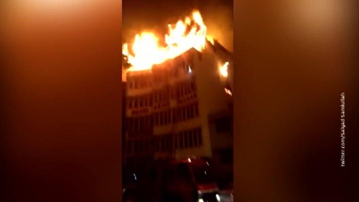 В столице Индии бушет пожар. Есть жертвы
