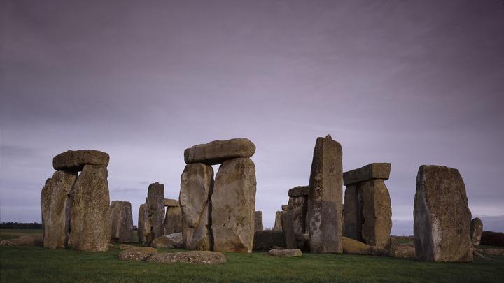 Происхождение мегалитов, таких как Стоунхендж, ранее было загадкой.