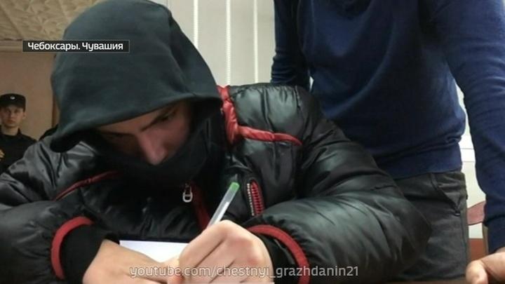 Мешал кататься на лимузине: сын сити-менеджера Чебоксар избил полицейского