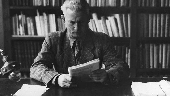 Александр Фадеев, русский советский писатель и общественный деятель, журналист, военный корреспондент