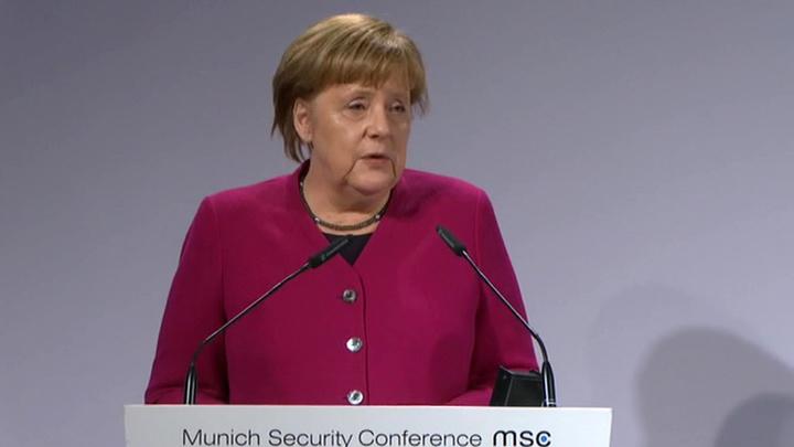 Меркель: нужно удвоить усилия по урегулированию кризиса в Донбассе