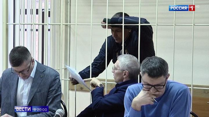 """Обыски прошли сразу в трех особняках экс-менеджера """"Прогресса"""", обвиняемого в хищениях"""