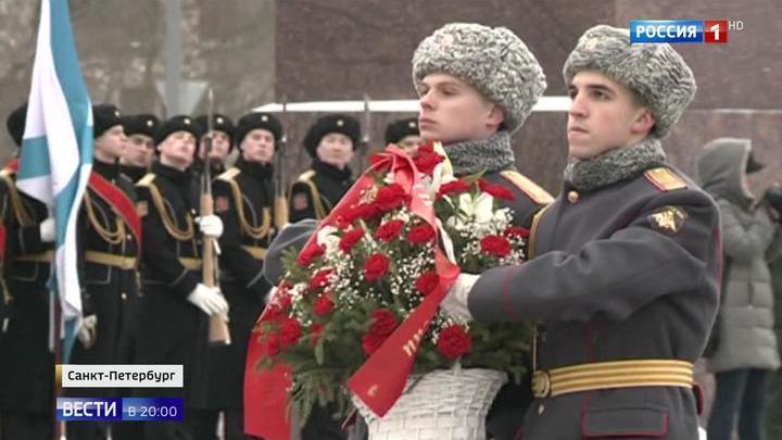 День защитника Отечества напомнил россиянам о разных эпохах и битвах