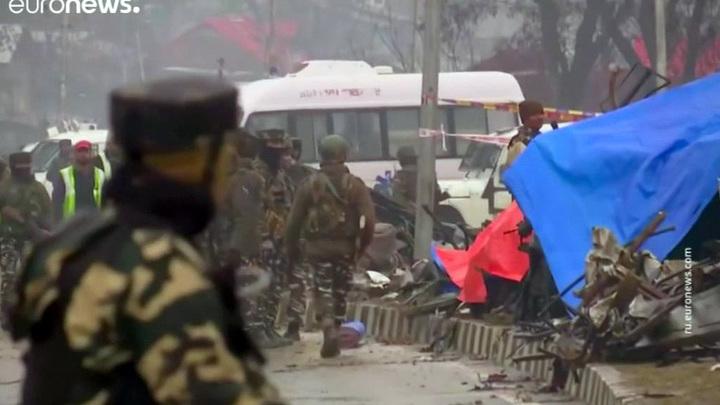 Индия разбомбила группировку боевиков в пакистанском Кашмире