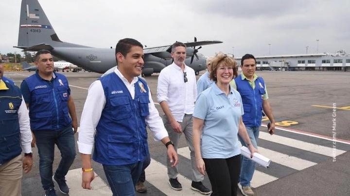 """Каракас погрузился во тьму и ожидает новую партию """"гуманитарной помощи"""" от США"""