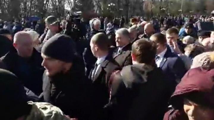 Порошенко вновь столкнулся с агрессией со стороны националистов