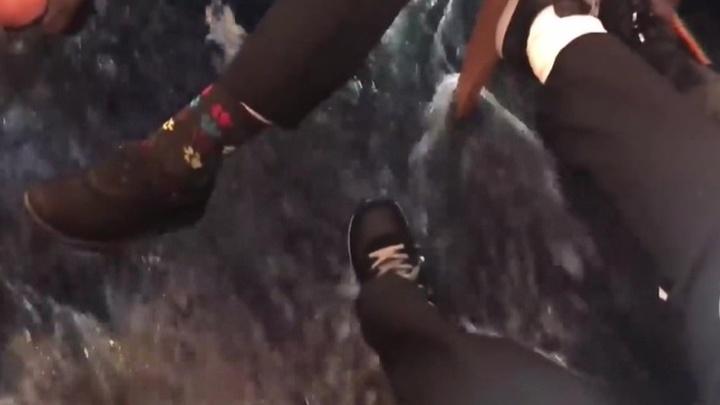 Авария на круизнике Viking Sky: эвакуации людей мешает сильный шторм